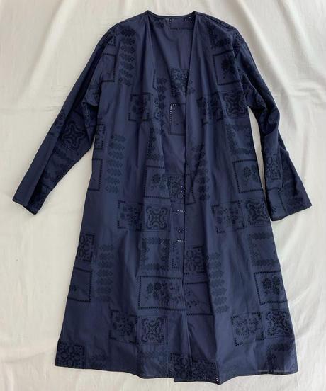 パネル刺繍ラップコート