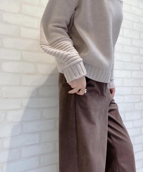 袖コンシャスゆる立ち襟ニット