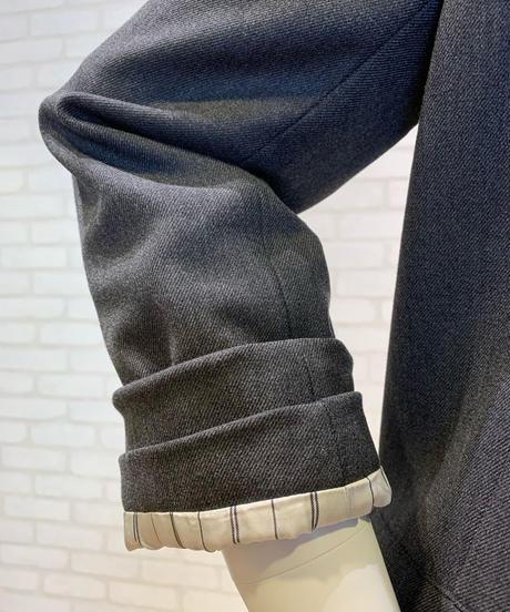 袖ターンバック  ノーカラージャケット