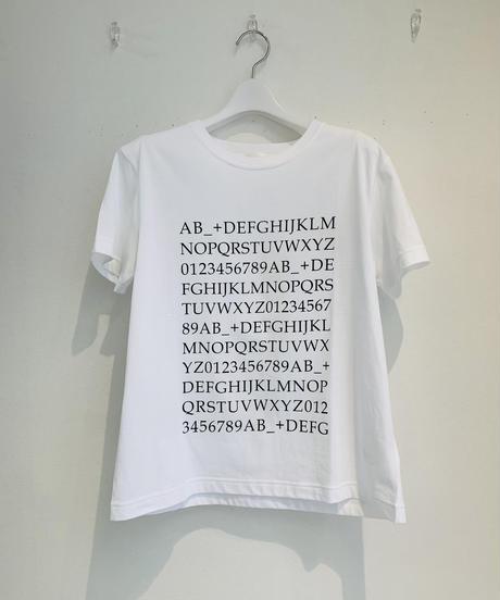 C+ロゴTシャツ