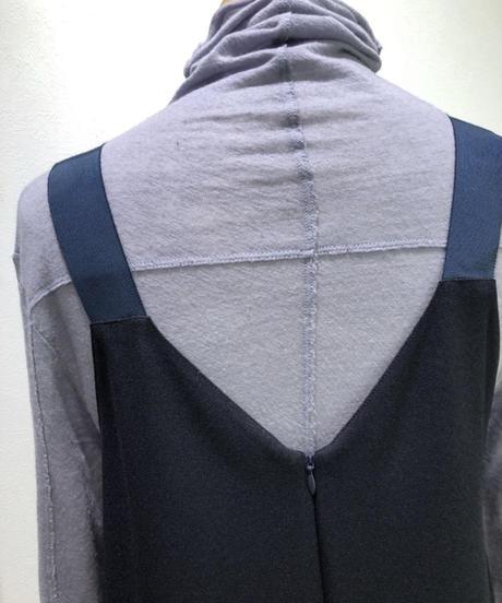 【お取り寄せ】前後Vネックジャンパースカート