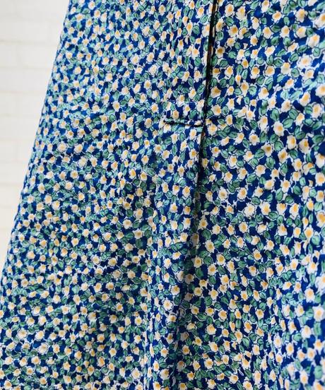 半袖カフド袖  小花柄ブラウス