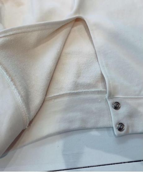 後ろ裾ボタン スウェットカットソー