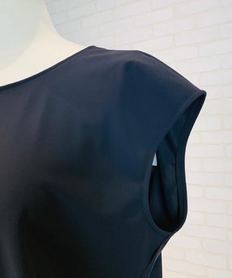 センシティブ・フレンチ袖プルオーバー
