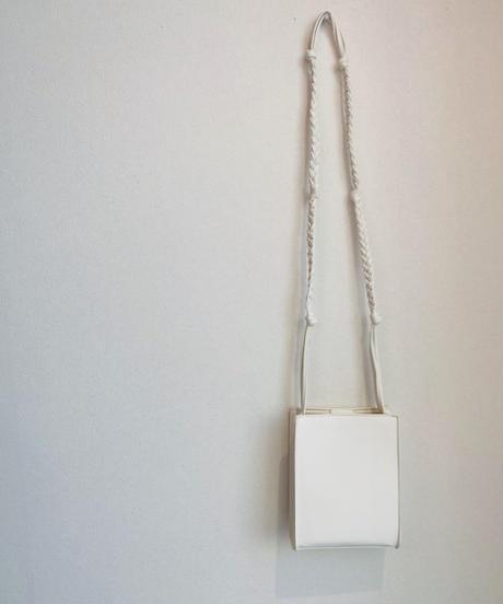小ぶりスクウェアバッグ