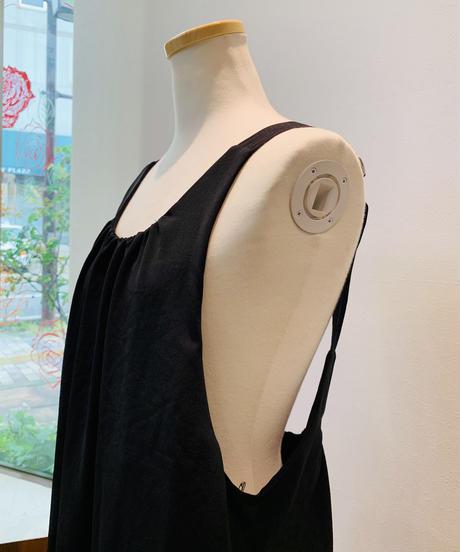 とろみ素材グログラン肩紐サロペットワンピース