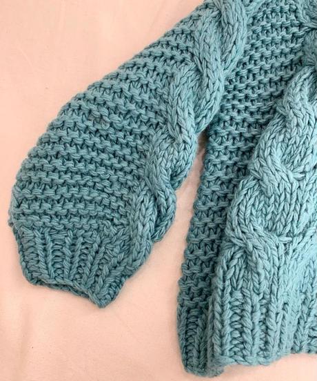 ざっくりケーブル編みボレロガーデ