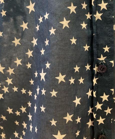 バンドカラー袖  星柄ブラウス