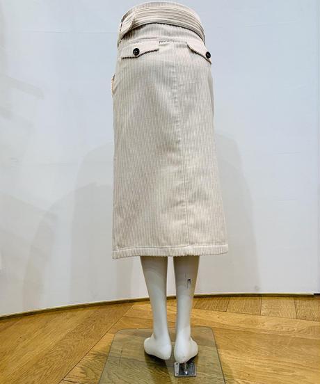 コーデュロイストレートスカート