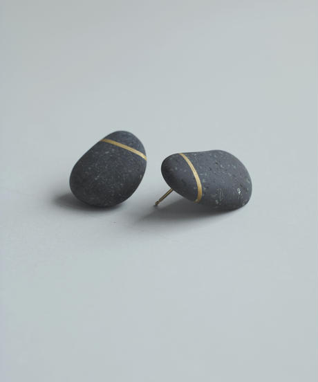 River Stone Round Pierced Earrings(Pair)