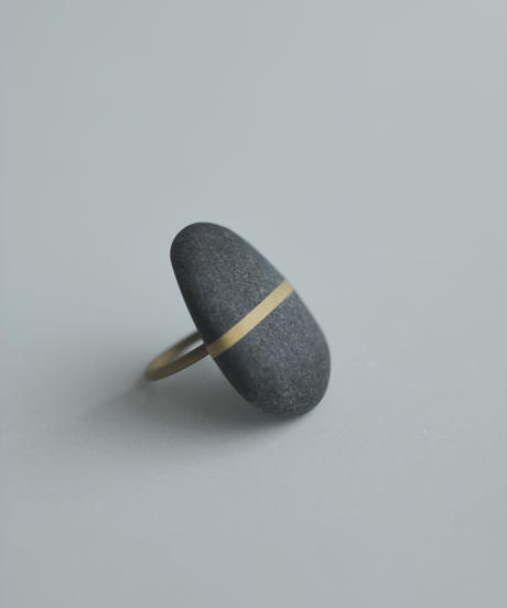 River Stone Round Ring