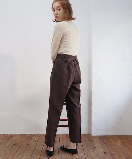 belt tapered pants
