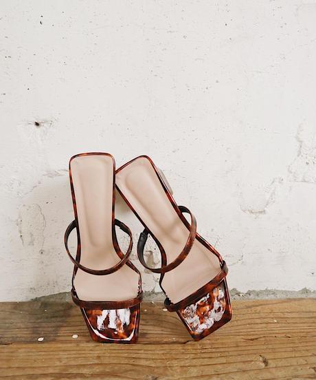 square toe shell sandal