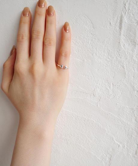 silver hug ring
