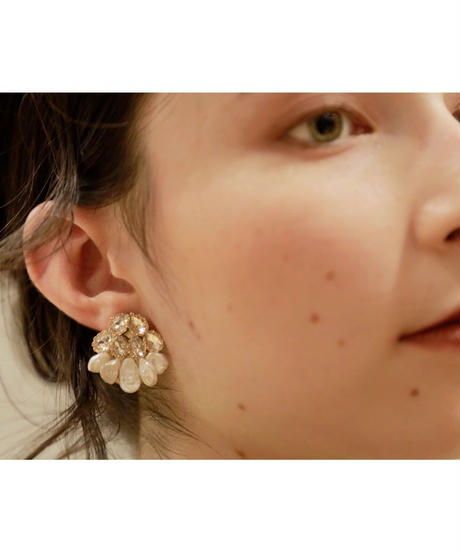 Amaryllis pierce/earring
