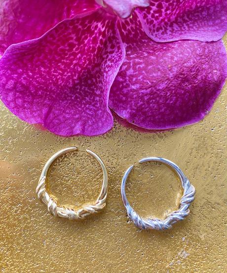 silver twist ring