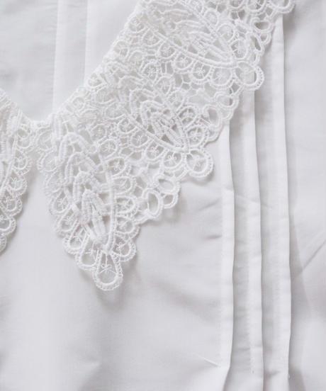 lacecollar blouse