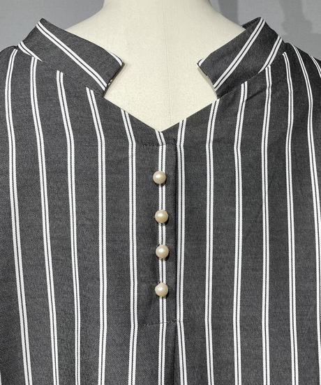 【Pearl button】Stripe Puffsleeve Blouse