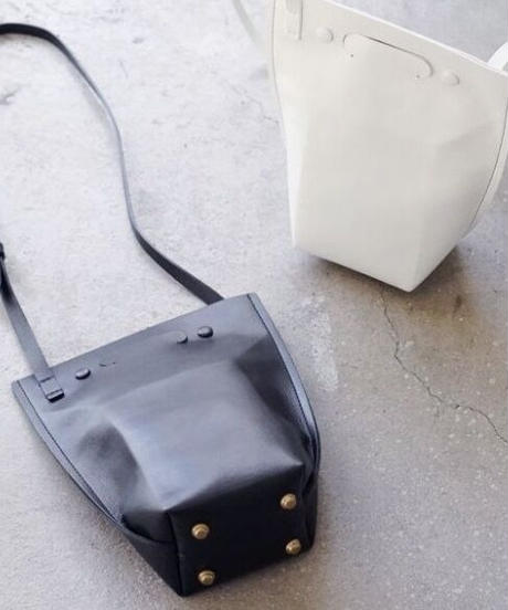【SCUE】Carton type shoulder bag