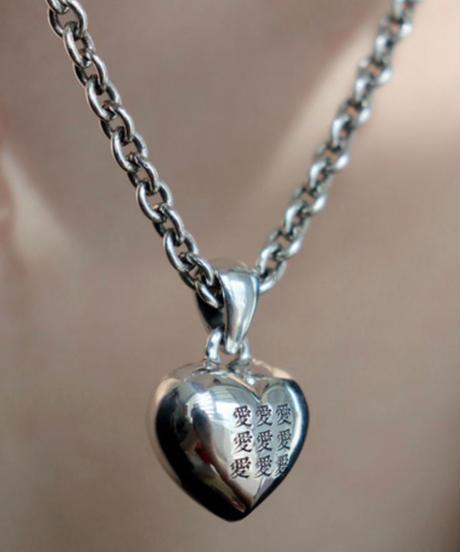 momentel jewelry   愛 necklace