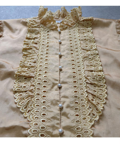 VINTAGE  LACE DESIGN SHIRT