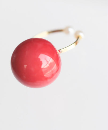 one beads ear cuff red