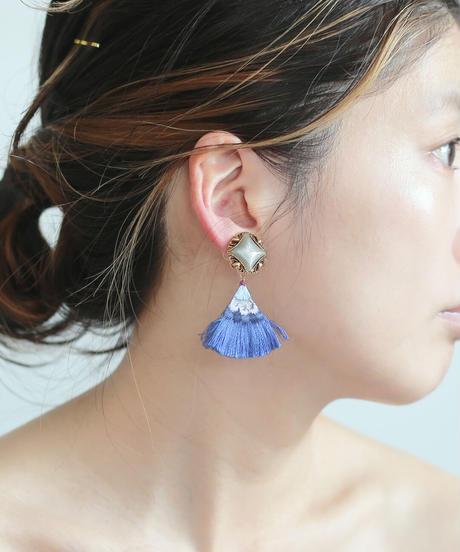 FLAT TAIL PIERCE / EARRING blue