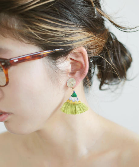 FLAT TAIL PIERCE / EARRING green