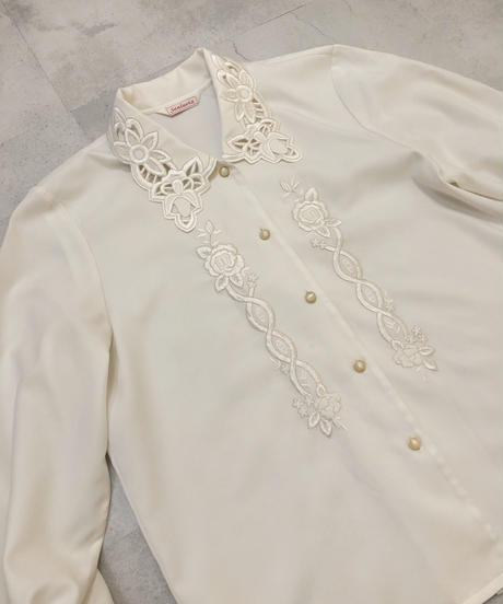 Sanluvia floral embroidery off white shirt-1671-2