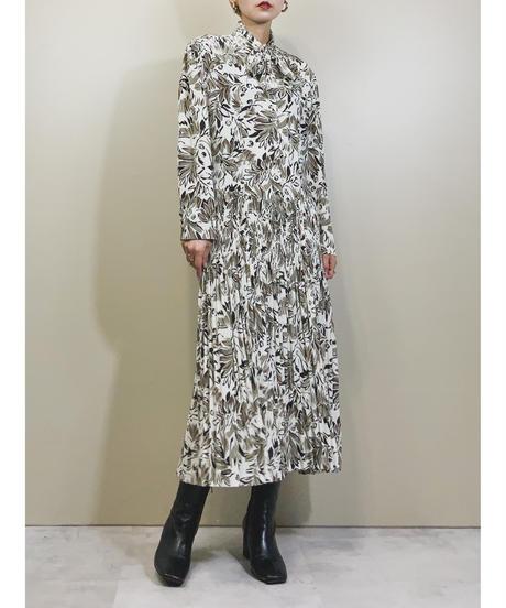 MOI LOVEREAR leaf design white dress-1803-4