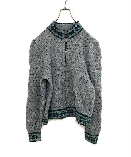 Nordic design metal button knit cardigan-1569-12