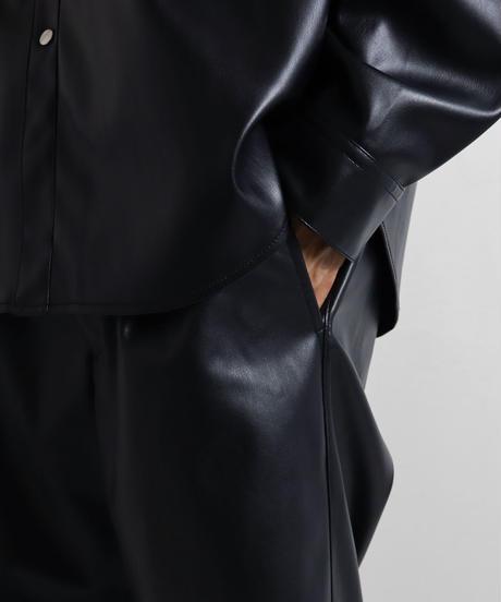シンセティックレザーワイドパンツ /ブラック