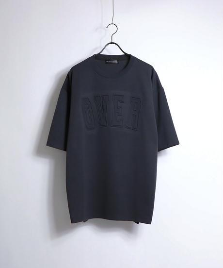 カレッジロゴ エンボスプリントTシャツ /ブラック