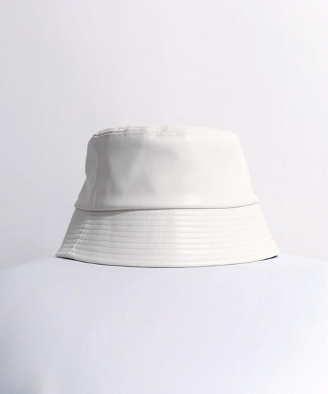 フェイクレザーバケットハット /ホワイト