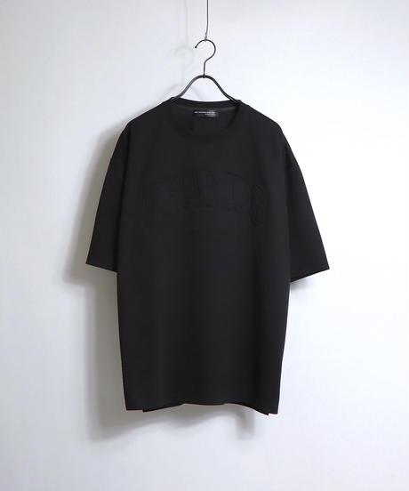 カレッジロゴ エンボスプリントTシャツ /ベージュ