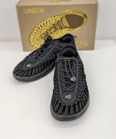 KEEN UNEEK O2 ブラック/ブラック 29cm(323)