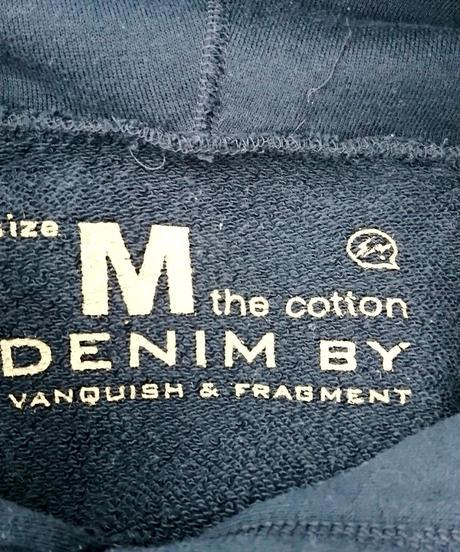 DENIM BY VANQUISH & FRAGMENT ロゴプリントプルオーバーパーカー[VFC2026]Mサイズ(292)