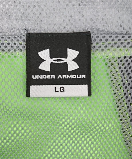 UNDER ARMOUR ナイロンパーカー(140)
