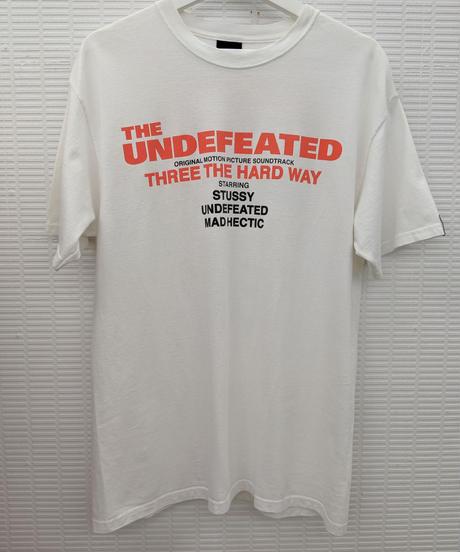 STUSSY × THE UNDEFEATED × MAD HECTIC トリプルコラボ Tシャツ Mサイズ(320)