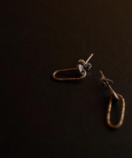 k10 oval×silver circle pierce