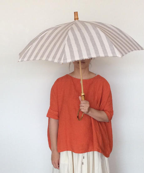<women>sur mer(シュールメール) リネン リゾートストライプ 太ストライプ 長傘(耳付き)/グレー