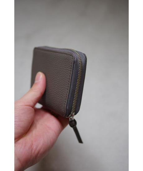 ERA. / BUBBLE CALF ROUND PLAM WALLET / col.GRAY
