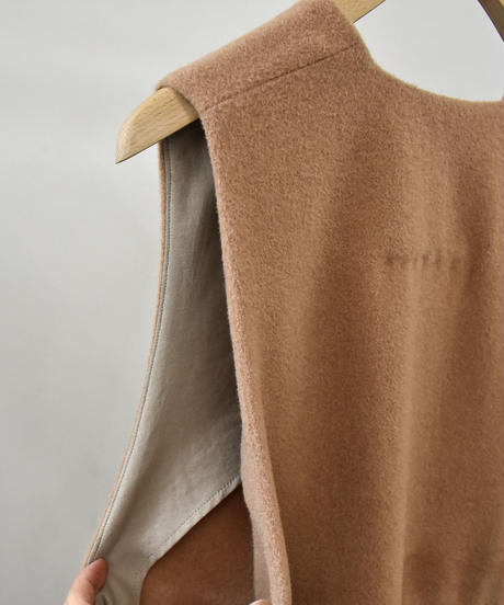 comm.arch. / Knitted Lamb's Long P/O / col.Caramel