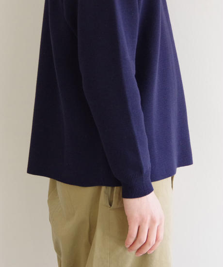 bunt / COTTON CREW NECK SWEATER / col.ネイビー