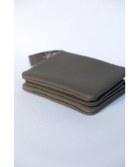 ERA. / BUBBLE CALF UTILITY WALLET MEDIUM / col.GRAY