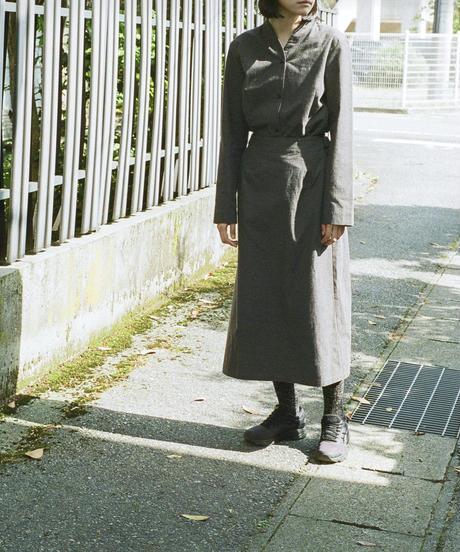 THE HINOKI / 先染めバフクロス カラーレスドレス  / col.ブラック