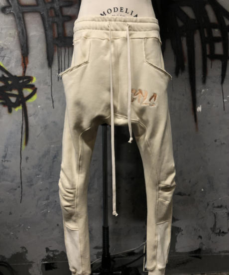 CTLS   vanilla usual sweat pants
