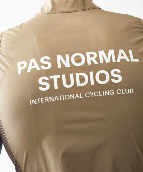 Pas Normal Studios Stow Away Gilet - Beige 2021<サイズ交換対応>