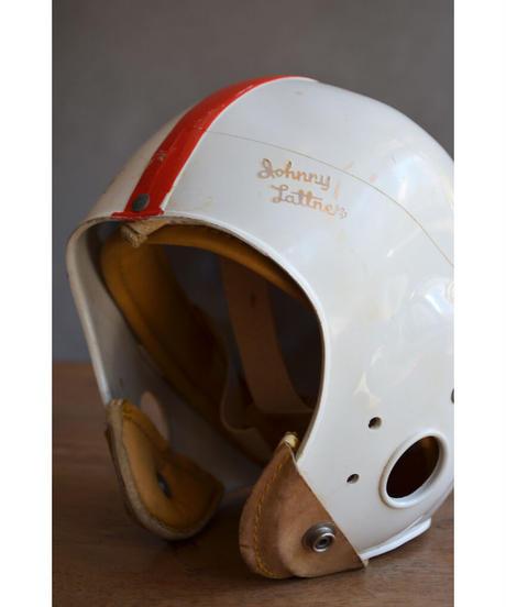 09-MT344435 Football helmet-Hutch