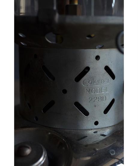 09-MT344430 Coleman Lantern 228d /GRN